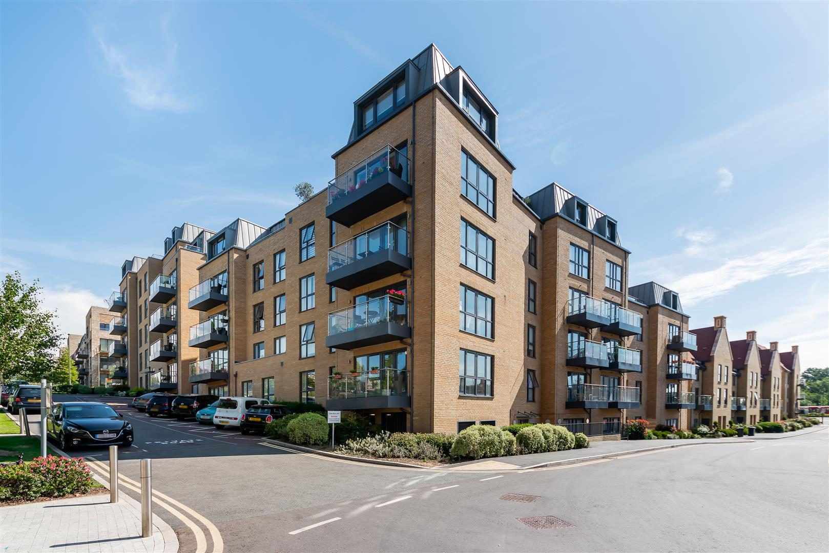 Flat 10, Sensa Apartments, 16 Royal Engineers Way
